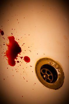 Tosiendo sangre... | Flickr - Photo Sharing! (blood, sink)