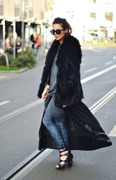 Maja Wyh wearing november Lingerie- Morning Gown liya black. http://november-lingerie.com/produkt/morgenmantel-liya/