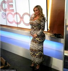 Bump love: The blonde COCO