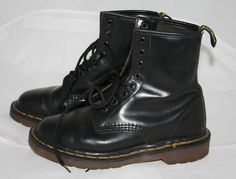 Vintage Boots Dr Martens Air Wair Black Made by ilovevintagestuff