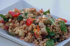 Litríkt byggsalat Fried Rice, Fries, Ethnic Recipes, Food, Meal, Essen, Hoods, Nasi Goreng, Meals