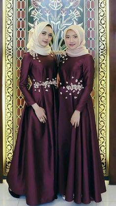 Hijab Muslim Abaya dress - - Hijab Muslim Abaya dress Source by haisayala Dress Brukat, Hijab Dress Party, Hijab Style Dress, Muslim Wedding Dresses, The Dress, Dress Outfits, Fashion Dresses, Dress Brokat Muslim, Dress Pesta
