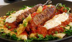 Κεμπάπ γιαουρτλού με σπιτικές πίτες Υλικά συνταγής Για τα κεμπάπ: 1 κιλό μοσχαρίσιος κιμάς 1 κρεμμύδι ξερό τριμμένο 1 σκελίδα σκόρδο λιωμένη 1 κ.γ. κόκκινο πιπέρι 1 κ.γ. κύμινο αλάτι 1 κ.γ. ελαιόλ…