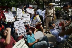'End strike or face serious consequences', FTII director to students