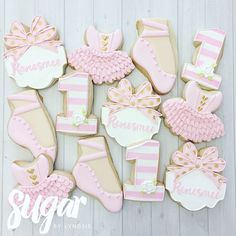 Ballet cookies for Renesmee's first birthday party! These were a part of the…