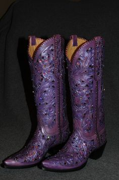 Boots - Westernstiefel - Hand tooled fillagree, with metallic underlays and Swarovski Crystals Purple Cowboy Boots, Purple Boots, Cowgirl Boots, Western Boots, Country Boots, Purple Love, All Things Purple, Shades Of Purple, Deep Purple