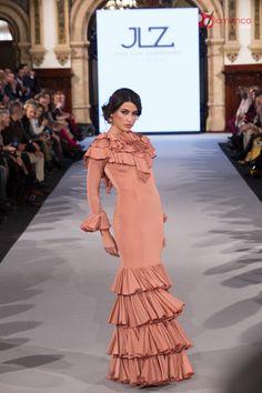 Jose Luis Zambombino - We Love Flamenco 2018 Fashion Moda, Boho Fashion, Boho Style, My Style, Moda Boho, Frill Dress, No Frills, Ruffles, Victoria