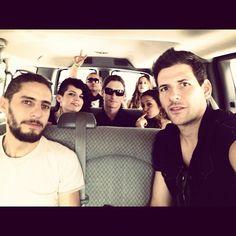 """""""Gracias a nuestros adorados músicos @rogadea @edutesi @bhbitch71 @kaayoficial los amamos"""""""