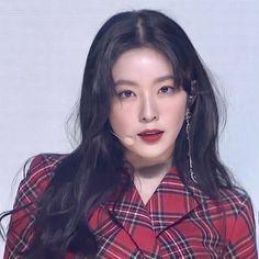 Haikyuu Tsukishima, Korean Babies, Red Velvet Irene, Kpop, Korea Fashion, Seulgi, The Girl Who, Amazing Women, Pretty