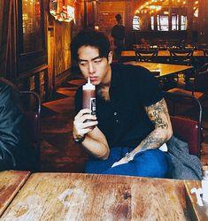 Christian Yu - K-Pop Imagines - Wattpad - Wattpad Cute Asian Guys, Cute Korean, Asian Boys, Asian Men, Cute Guys, Korean Boys Ulzzang, Ulzzang Boy, Christian Yu, Ikon Member