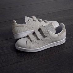 "3914b6bde012 SNKRS® on Instagram  ""adidas Stan Smith Woman Velcro. Cuir gris clair façon  peau de reptile. Collection Spring Summer 2016. Disponible sur SNKRS.  Available…"