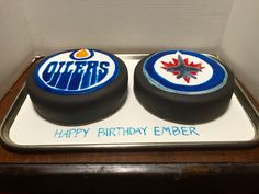 Hockey puck cakes