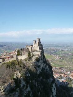Vedi 「Rocca Guaita」 da 「La Cesta」