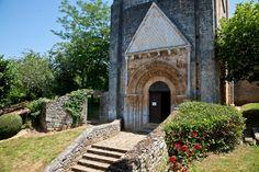 Église Saint-Martin de Besse, Besse  (Dordogne)  Photo by Dennis Aubrey