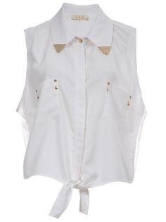 3:AM - Camisa branca. 1