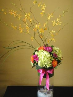 find more of our favourite arrangements in http://www.wholesaleflowersandsupplies.com/
