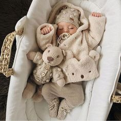 So Cute Baby, Cute Baby Clothes, Cute Kids, Winter Baby Clothes, Babies Clothes, Little Babies, Baby Kids, Baby Baby, Foto Baby