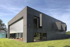 The Zombie Proof House Picture