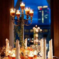 Jumeirah-Frankfurt-Crystal-Ballroom-Hochzeit-Detail.jpg (450×450)