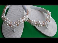Como fazer trama simples de flor - YouTube Flip Flop Shoes, Flip Flops, Handmade Crafts, Diy Crafts, Slippers, Paper Crafts, Beads, Sandals, Bracelets