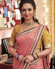 Beautiful Girl Indian, Beautiful Indian Actress, Beautiful Women, Beautiful Gorgeous, Beautiful Actresses, Bollywood Saree, Indian Bollywood, Bollywood Actress, Indian Tv Actress