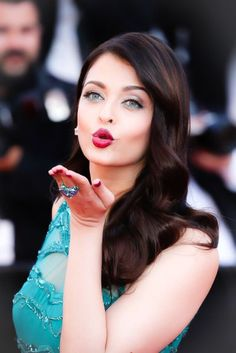 aishwarya rai at cannes red carpet blowin them away