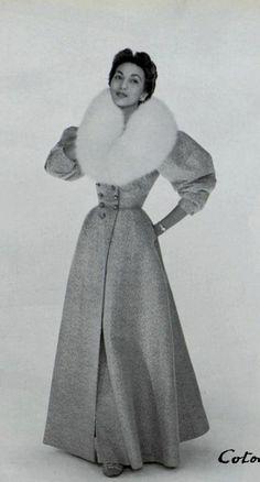 1953 Nina Ricci