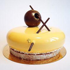   Mandarin • Chocolate Cheesecake   By pastry chef @pollykosheleva