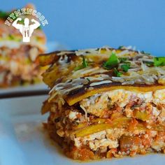As promised, the hearty plantain lasagna #recipe AND lean zucchini lasagna recipe are now on YouTube.com/FitMenCook. This is a delicious recipe that I really enjoyed making (and eating). Click the link in my profile to go directly to the video OR go to YouTube.com/FitMenCook. I look forward to y'all trying the recipe - let me know how it goes! Tag someone you want to cook this for (or vice versa)! Lol Boom. (traduccion abajo)  Según lo prometido, el video de #receta para la lasaña de plátano…