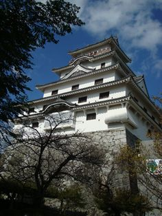 """Dancing Crane Castle"" Maizuru-jo/ Karatsu Castle, situated on a small hill above Karatsu Bay in Saga Prefecture in Kyushu. Built by a vassal of Hideyoshi, 1966 ferro-concrete '66 reconstruction of original"