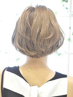 1週間ショートボブ、ショートヘアのヘアアレンジ♡曜日ごとに、時短ヘアアレンジ・前髪・アップスタイル・ハーフアップ・ダウンスタイルなど様々なショートボブのヘアアレンジをご紹介します♪アレンジが難しいショートヘアやショートボブだからこそ、毎日違うヘアアレンジができたらとってもおしゃれです♡ぜひ試してみてください。(2015年12月2日追記)