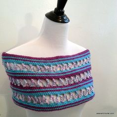 Candy Ribbons Cowl free #crochet pattern by @jessieathome