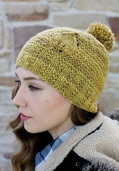 A few little details—a jaunty pompom, a sweet embossed leaf—transform the simple garter-stitch Leaf Cap, designed by Melissa LaBarre from dull to darling. Baby Hat Patterns, Knitting Patterns, Knit Crochet, Crochet Hats, Knit Hat For Men, Creative Knitting, Garter Stitch, Knitting Projects, Spinning