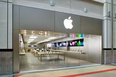 Journal Of Life: Apple Inc., 將走精品行銷路線? 艾倫茲(Angela Ahrendts)將領導蘋果零售事業部 ( Apple Inc., Marketing will be walking into the luxury fashion style?...