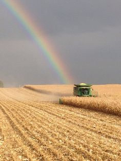 "My Dad's love of rainbows came from his youth in central Iowa . The photographer says the same ""Taken central Iowa by Nick Weber The beauty that surrounded me as I grew up…"" Country Farm, Country Life, Country Roads, Country Living, Jorge Martin, Fields Of Gold, John Deere Tractors, Jd Tractors, Farms Living"
