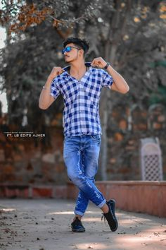 Best Poses For Boys, Photo Poses For Boy, Good Poses, Poses For Men, Cute Girl Poses, Best Photo Background, Background Images, Photography Poses Women, Fashion Photography