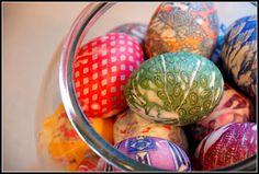 Homemade Serenity: silk dyed eggs
