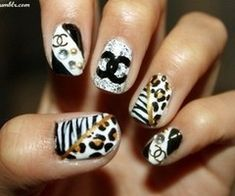 Create these fantastic nail art designs for fall and make your nails look stylish and lovely. Get Nails, Love Nails, How To Do Nails, Pretty Nails, Hair And Nails, Dream Nails, Fall Nails, Fall Nail Art Designs, Cute Nail Designs