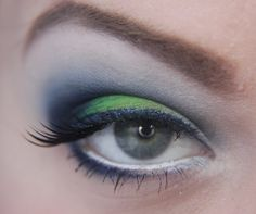Game make up ~ I cried twice during yesterday's game.once with stress, once with joy, but I'll leave this up for any ladies that won't ruin their makeup on SuperBowl Sunday. Seahawks Nails, Seahawks Football, Seattle Seahawks, Seahawks Colors, Seattle Sounders, Beauty Makeup, Hair Makeup, Hair Beauty, Eye Make Up