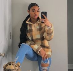 date casual outfit Chill Outfits, Dope Outfits, Trendy Outfits, Fashion Outfits, Baddies Outfits, Swag Outfits, Fasion, Fashion Ideas, Fashion Design