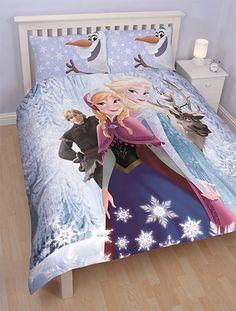 Déjà un grand lit ? Pas de souci avec cette parure de lit 200x200 cm pour lit double Reine des Neiges ! Et tous les personnages sont au rendez-vous naturellement : Elsa et Anna, Kristof, Olaf et Sven !  46,99 EUR #paruredelit #houssedecouette #litdouble #reinedesneiges