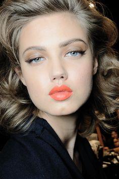perfect orange lips!!! lindsey wixson @ dsquared2 s/s 2014, backstage - MFW. #makeup #orange #lindseywixson