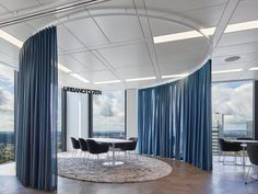 Ippolito Fleitz Group created the office design for a consulting firm located in Frankfurt, Germany. In a business world characterized by a progressive Design Commercial, Commercial Interiors, Interior Design And Technology, Innovative Office, Office Plan, Office Ideas, Consulting Firms, Workspace Design, Office Interiors