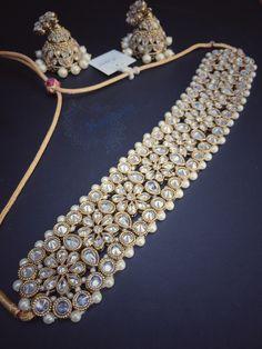 35 trendy jewerly necklace simple stones jewels 35 trendige schmuck halskette einfache steine juwelen This image has get Indian Jewelry Earrings, Indian Jewelry Sets, Fancy Jewellery, Jewelry Design Earrings, Indian Wedding Jewelry, Stylish Jewelry, Pearl Jewelry, Bridal Jewelry, Fashion Jewelry
