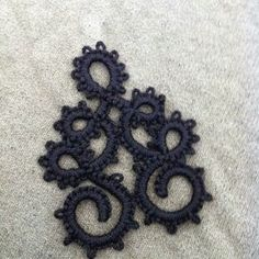 Needle Tatting and other Nonsense: Curly