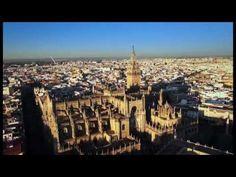 Campanya de promoció turística de Sevilla (Ven a #Sevilla). Sevilla es la capital de Andalucía, ciutat que no pots deixar de visitar en Espanya y una de las urbes més acollidores del món.