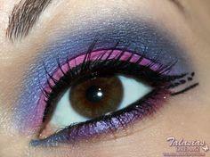 Pink Blue Eye Make Up. More photos http://talasia.blogspot.de/2012/10/tag-kleines-lidschatten-1x1-pink-blau.html