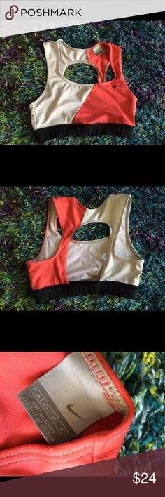 ⚡️FLASH SALE⚡️Colorblock Nike Sports Bra Extremely comfortable Nike Sports Bra in excellent condition besides piling in the interior ( see 4th picture). The size is M (8-10). Nike Intimates & Sleepwear Bras