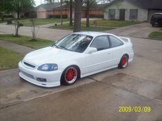 wish my civic to look like but with purple rimsies :)