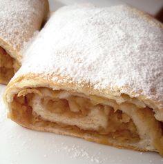 Placinta taraneasca cu mere Dark Chocolate Cakes, Deserts, Fruit, Ethnic Recipes, Food, Sweets, Fruit Pie, Desserts, Eten